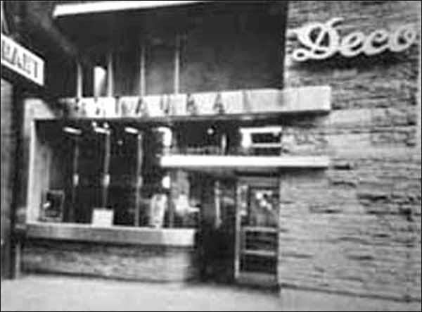 Deco Restaurants 2-pc