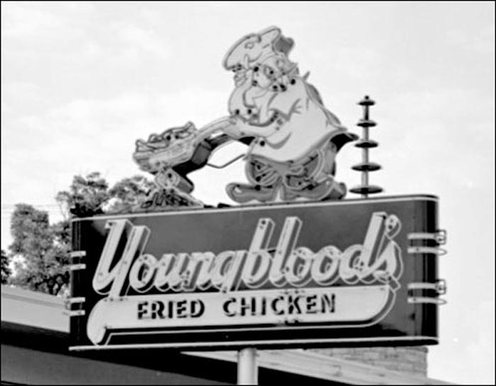 Youngblood's Fried Chicken-sign